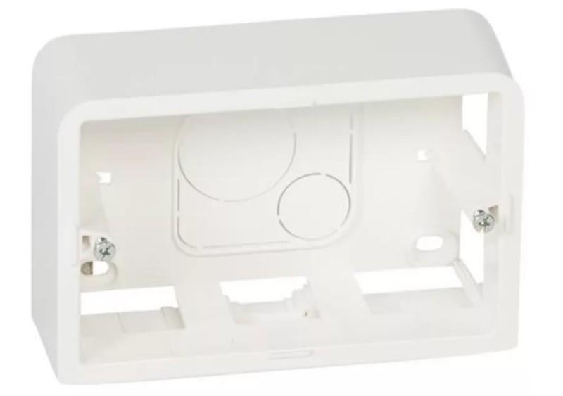 LEGRAND 80289 Коробка для накладного монтажа, 3М, глубина 40 мм, белая, Mosaic (применяется с L/ 80259)